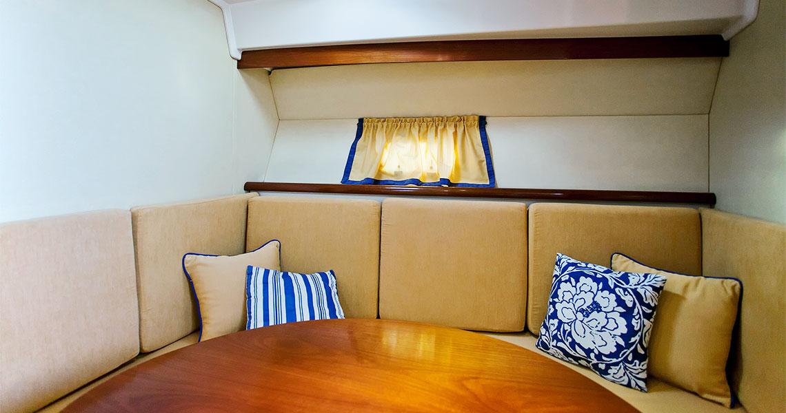 santorini-pelagos-cruises-boat-seats