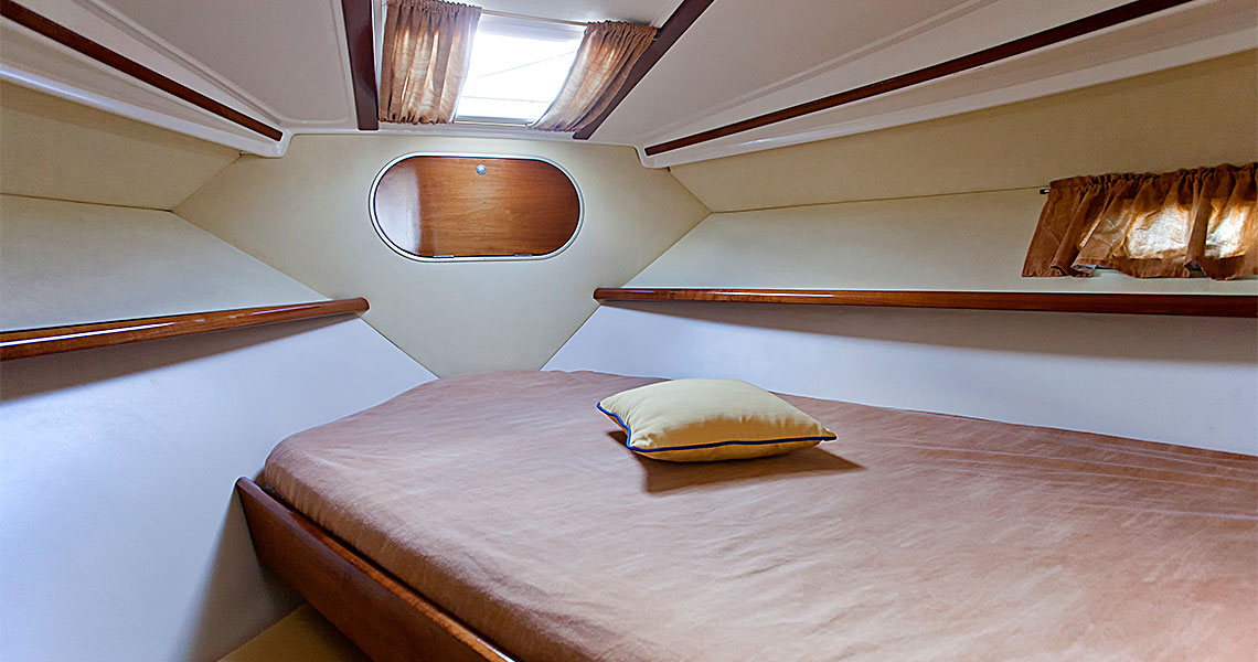 santorini-yachting-cruises-tours-boat-bed